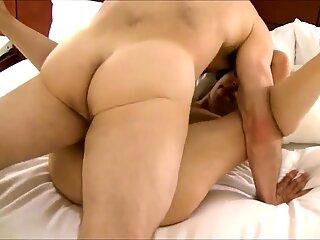 nice creamy pussy... love it!